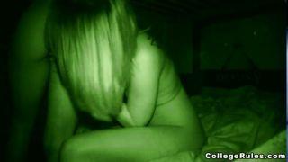 रात सांचा समलैंगिक बिल्ली चाट कार्रवाई