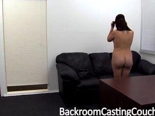 लड़की के अगले दरवाजे Assfucked और Creampie