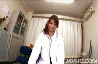 आराध्य जापानी नर्स Ebihara Arisa ज प्यार करता है