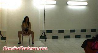गर्म मंच के पीछे वीडियो में वास्तविक चेक डिस्को रानी