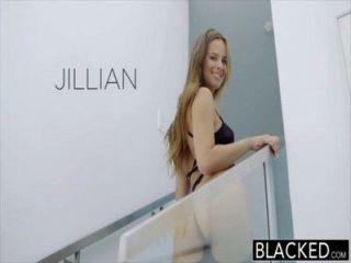 बेहोश 18yr पुराने जिलियन Janson बीबीसी के साथ गुदा सेक्स है