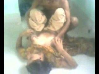 भारतीय एमेच्योर नौकरानी घर का सेक्स छिपे हुए कैमरे से रिकॉर्ड किया गया