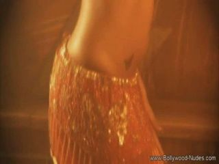 विदेशी देसी प्रेमी नृत्य और चमकता