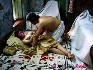 सविता भाभी Bigtits भारतीय एमेच्योर अभिनेता Blowjob और गड़बड़ दे रही है