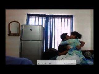 मुनीर बेकार है यूएसएड और धोखा देती ढाका पड़ोसी लड़की