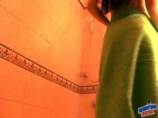 सेक्सी पतला शरीर दिखा स्तन स्नान में बिल्ली N गधा!बच्चा!