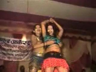 बिहार में दो सेक्सी लड़की नृत्य