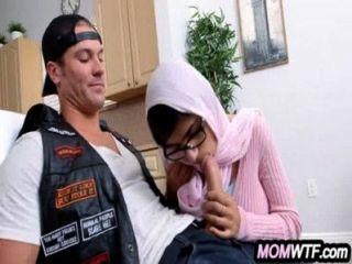 अरब माँ और बेटी शेयर मुर्गा Julianna वेगा, मिया खलीफा 2 82