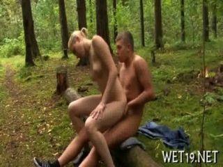 मिठाई Playgirl उसे तंग बीवर प्रदान करता है