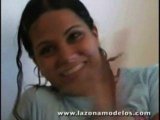 Viviana मॉडल