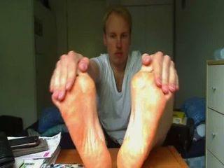 जुर्राब पट्टी और पैरों