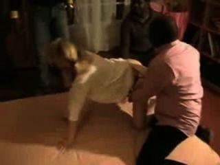 फ्रांसीसी पत्नी जीवनानंद धोखाधड़ी ट्रिपल काले तिकड़ी द्वारा मिलकर हो जाता है