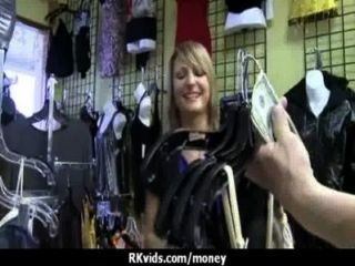 हताश जनता में नग्न किशोर और किराए पर 23 भुगतान करने के लिए Fucks