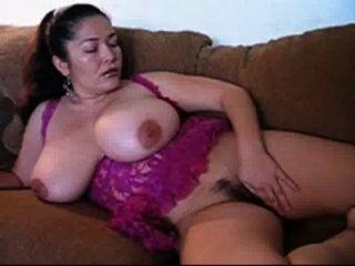 मोटी लैटिना स्तन