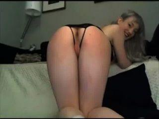 सुनहरे बालों वाली लड़की Masturbating