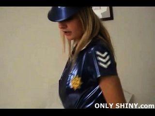 पीवीसी पुलिस लड़की चेसनी द्वारा गिरफ्तार और छेड़ा