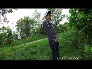 कारवां लड़कों 2015 सार्वजनिक Handjob