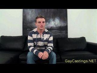 समलैंगिक कट्टर Twink के साथ बड़ा मुर्गा Drilled