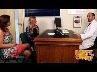 समलैंगिक चिकित्सक सुंदर डॉक्टर Partycfnm द्वारा जांच की और ठीक हो जाता है