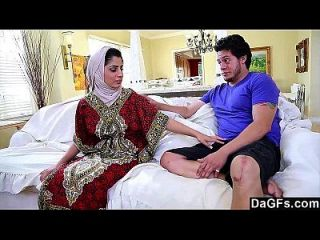 डैज अरबी चिकी नादिया अली स्वाद सफेद मुर्गा