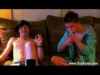 समलैंगिक फिल्म ट्रेस फिल्मों के लिए विलियम और डेमियन हुक अप की गतिविधि