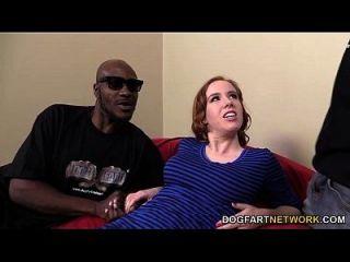 काइरा वाइल्ड उसके छेद काले पुरुषों द्वारा ड्रिल हो जाता है