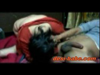 देसी बंगाली बोडी Blowjob और कट्टर होममेड सेक्स विद दवड़ Www.desi Babe.com