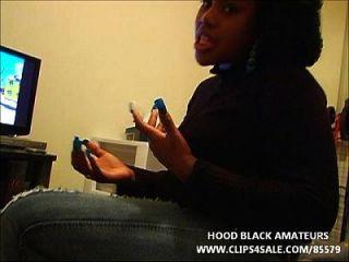 काला वेश्या सह करने के लिए एक हूग मुंह पूरा करने के लिए आता है