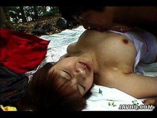 एक एल्यूमीनियम पन्नी पर एक एशियाई वेश्या कमबख्त