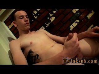 समलैंगिक पुरुषों की तस्वीरें बीजेएस सीधे आदमी जेक दे रही है एक गंभीर आदमी है, बस