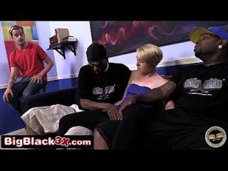 माईली साइरस लुकेलिक, 2 बड़े काले लंड और व्यभिचारीय बीएफ करतब। मैले मई