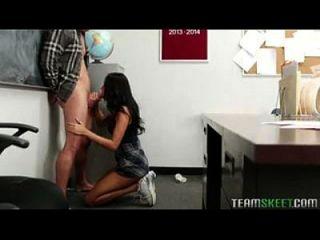 गिजेला मासी अपने शिक्षक को बेकार और बकवास करती है Www.camtube.ml