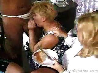 सेक्स पार्टी