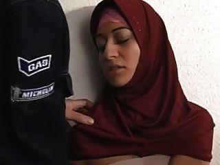 अरब मुस्लिम हिजाब Turbanli लड़की बकवास 2 - Nv
