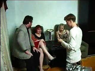 रूसी पार्टनर बदलने वाले या परिवार के मामलों! F70