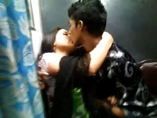 चूड़ीदार में भारतीय देसी सेक्सी महिला