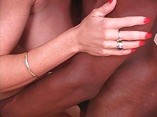 परिपक्व Milf पत्नी जेनेट और उसके काले प्रेमी