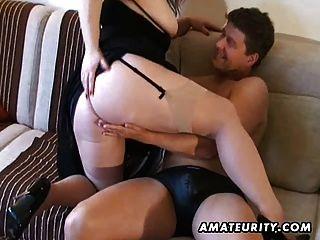 संचिका शौकिया Milf बेकार है और स्तन पर सह के साथ Fucks