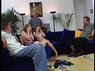 दो Hubbies, दो पत्नियों और दो काले पुरुषों