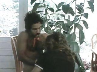 कामुक एडवेंचर्स - 1982