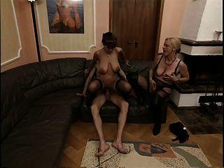 Saggy बड़े स्तन - गर्म परिपक्व