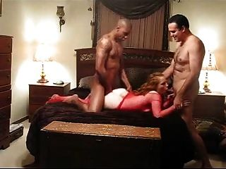 आदमी अपनी पत्नी से साझा रेड इंडियन