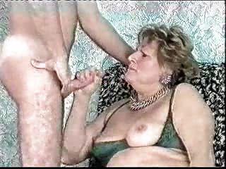 महान बूढ़ी औरत पर चेहरे।शौक़ीन व्यक्ति