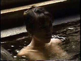 केई Mizutani - जापानी हॉट स्प्रिंग