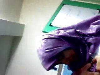हिजाब लड़कियों अच्छा कर रहे हैं