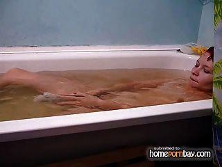 स्नान में एमेच्योर जोड़ी कमबख्त