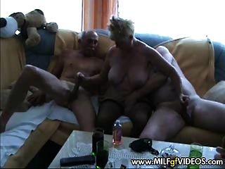 दादी Milf नंगा नाच कार्रवाई दादी गिरोह बैंग