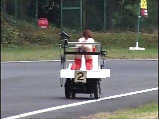 जापानी बंधन - और Squirts!- रोबोट रेस