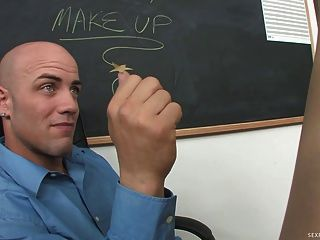 Slutty छात्र Lexi गोरी Seduces उसके शिक्षक