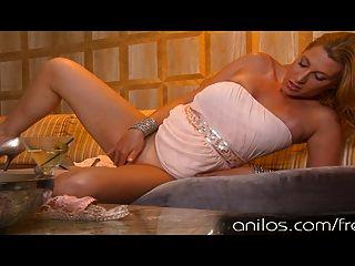 Bigtit Milf हमें उसकी कक्षा और उसे सेक्सी दौर गधा से पता चलता है